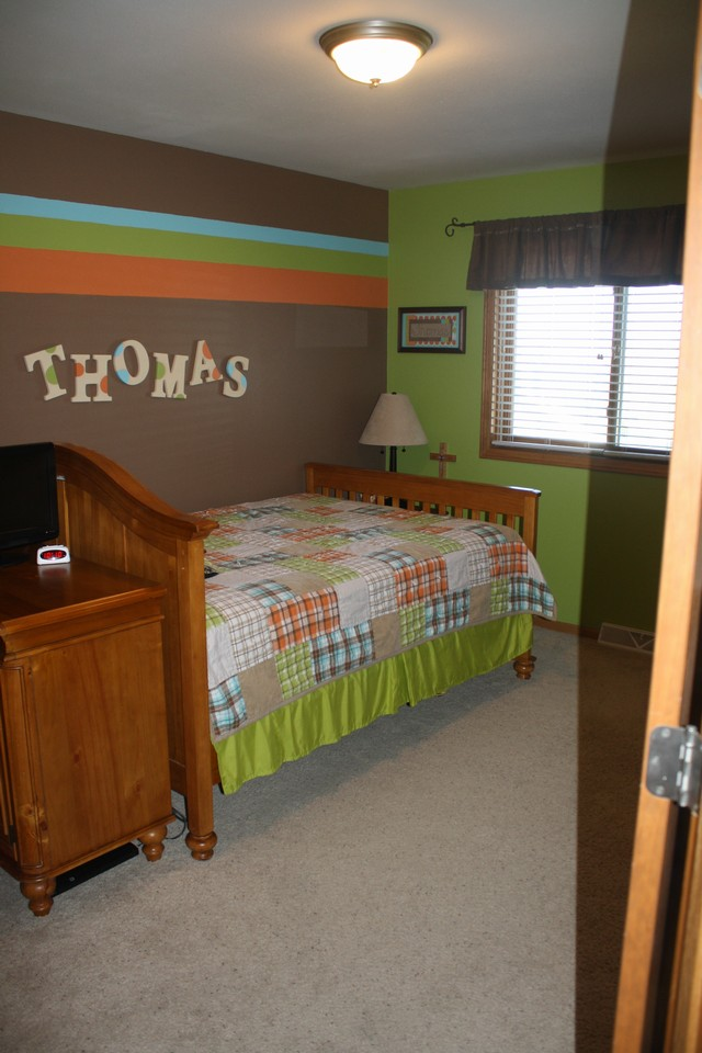2of 2 bedrooms on main floor
