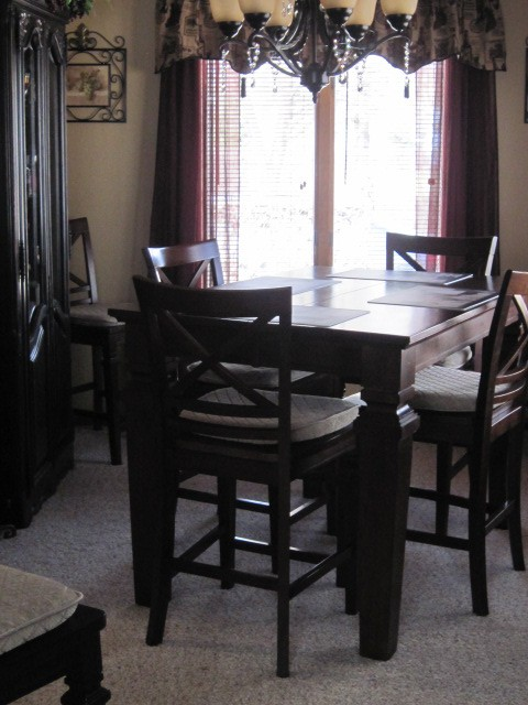 family dining area off of kitchen